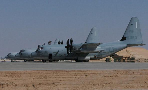备的最新型号的KC-130J型空中加油机-最新型号的KC 130J型空中加