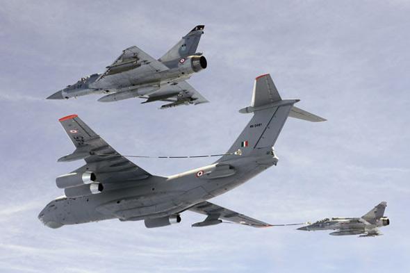 图文:印度空军装备的的伊尔-78MKI空中加油机