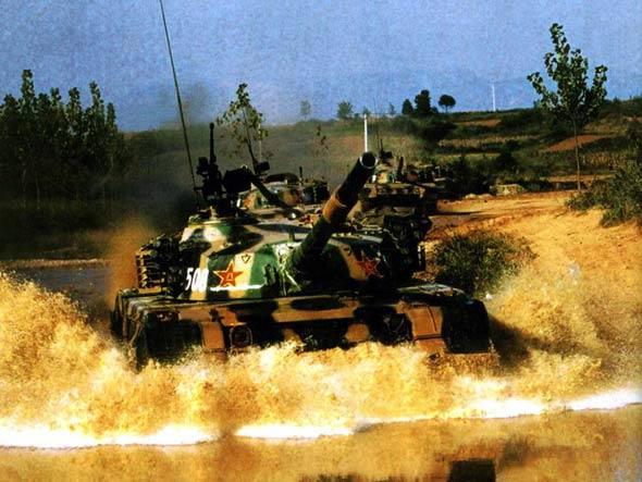 图文:我军96式主战坦克