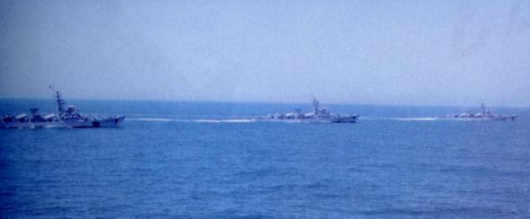 图文:我海军驱逐舰队巡视在南海水域