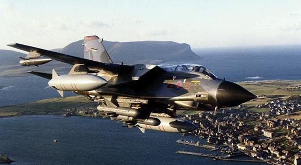 图文:英国皇家空军装备狂风战斗轰炸机