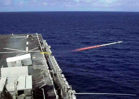 图文:拉姆舰载防空导弹系统实弹发射