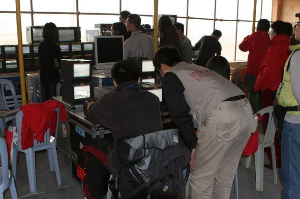 图文:cctv工作人员在忙碌