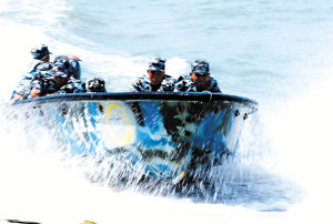 训练场特写:中国海军陆战队员的一天(组图)