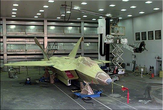 F-22的超音速盘旋能力与过失速机动性(图)