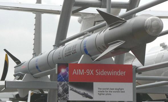图文:美制AIM-9X空空格斗导弹