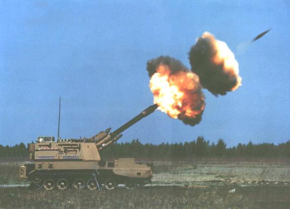 图文:中国PLZ-45自行火炮射击瞬间