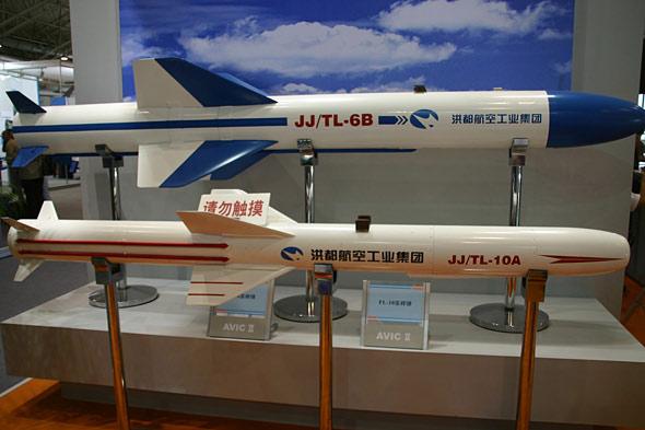 图文:中国制天龙10A与天龙6B空舰导弹