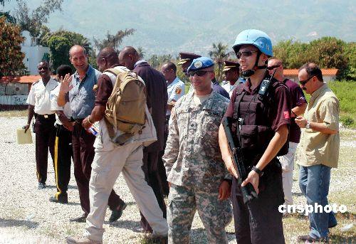 组图:中国防暴队制定海地总统就职警卫方案