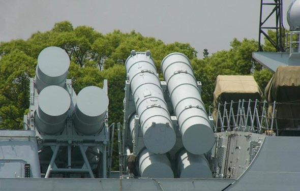 图文:安装在052C型驱逐舰上的YJ-12反舰导弹
