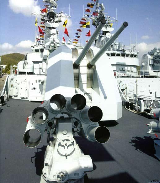 图文:江卫II加装反潜火箭发射装置与双100舰炮