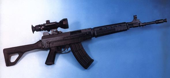图文:国产QBZ03式5.8MM自动步枪