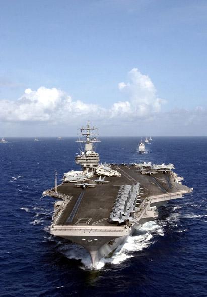 图文:美军航母战斗群