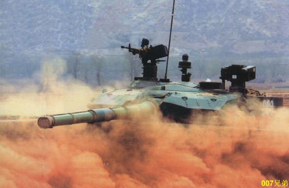 图文:装甲团99主战坦克
