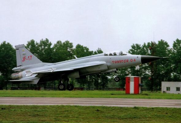 图文:改进型F-16引进应不会影响JF-17发展