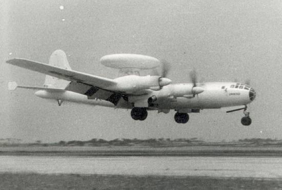 图文:中国空军第一架预警机空警一号