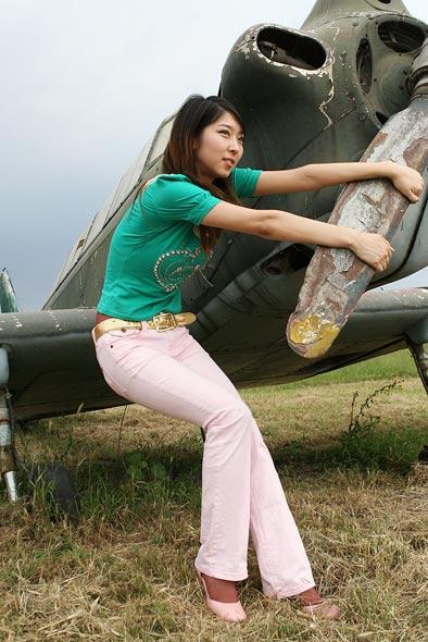 图文:发动飞机