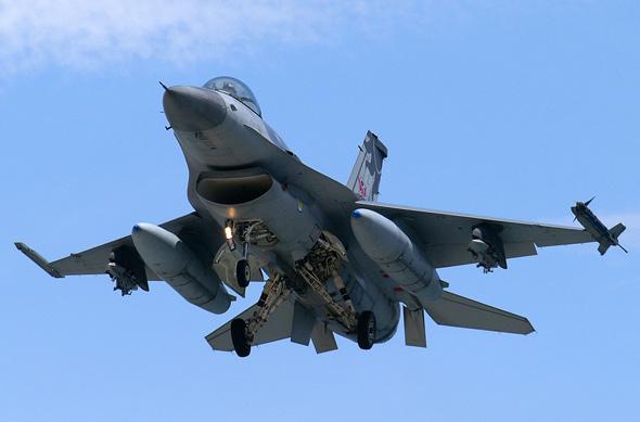 图文:台湾空军F-16机腹