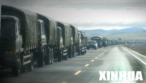 图文:内蒙古草原深处的沈阳军区某机步旅车队