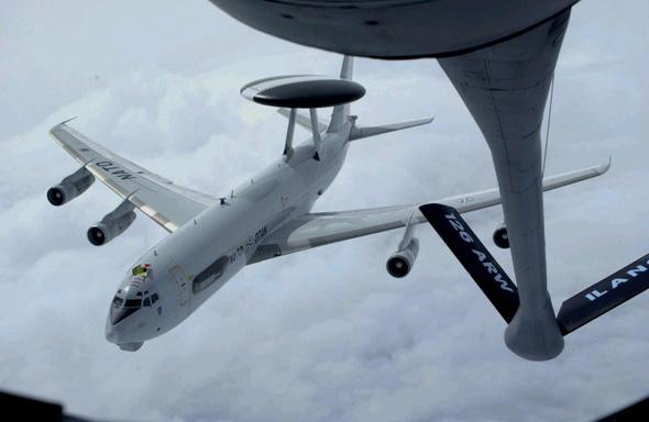 图文:美空军E-3A空中预警控制飞机
