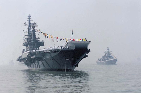 图文:印度海军维拉特号航母战斗群