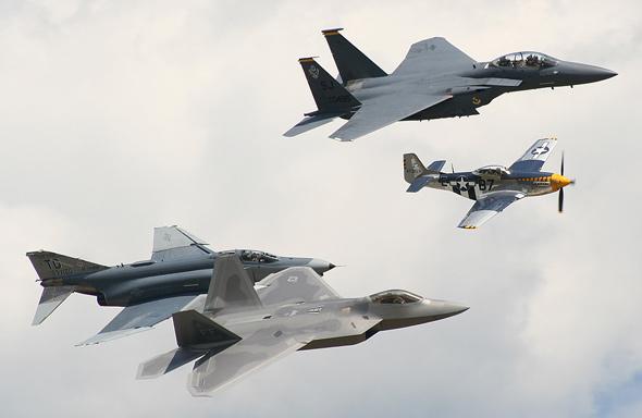 美国担心F-22技术交给日本后被中国偷走(图)