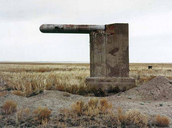图文:塞米巴拉金斯克核试验场被摧毁的掩体