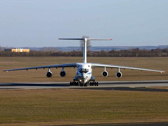 俄国推迟向中国交付运输机和空中加油机(组图)