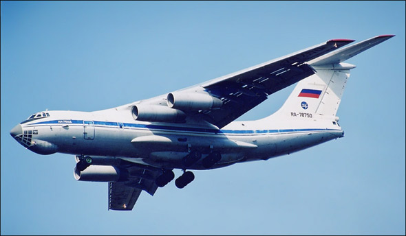图文:俄制伊尔-76MD大型运输机