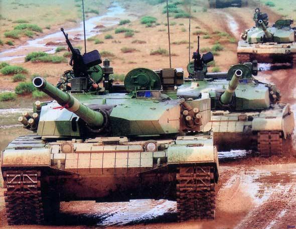 图文:中国最新型99式主战坦克已形成战斗力