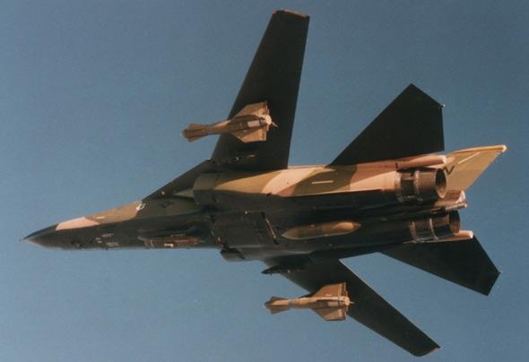 图文:F-111F性能达到设计师的期望目标