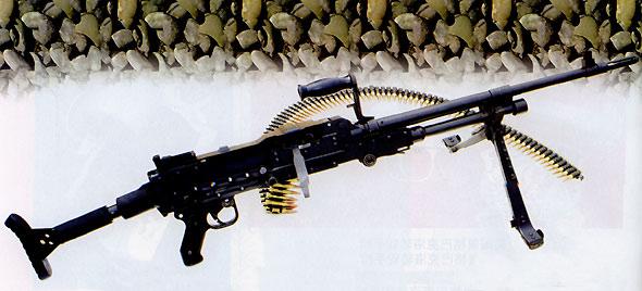 图文:国产CQ7.62毫米通用机枪无枪架状态