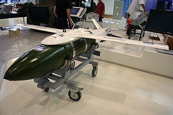 多款国产激光制导航空炸弹亮相珠海(组图)