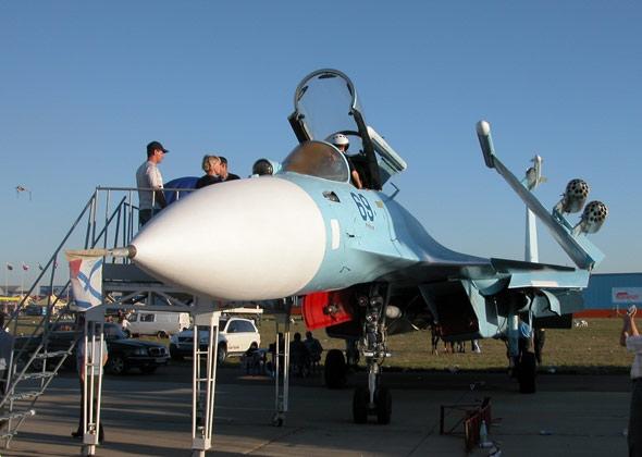 俄媒报道中国将造3艘航母装备俄制战机(组图)