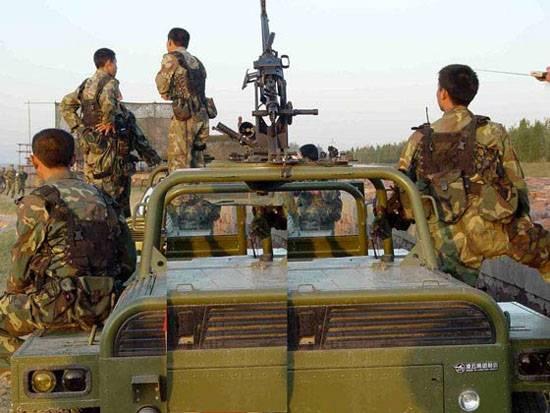 图文:中国空降兵列装的伞兵突击车
