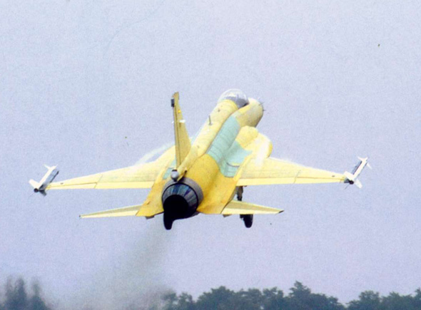 图文:枭龙飞机可能换装太行发动机
