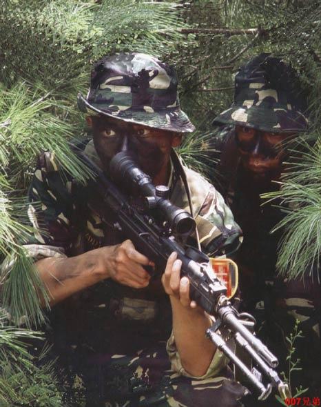 图文:解放军特种兵之狙杀双人小组