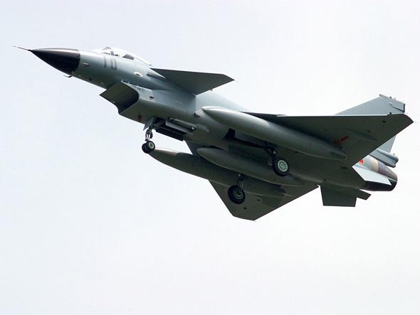 中国空军减少战机总量重点发展新型战机(图)