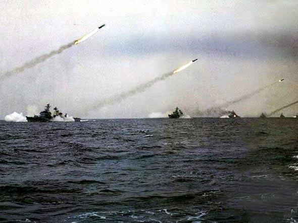 中国海军提高海上综合作战能力和核反击能力