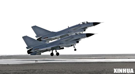 中国歼-10战机正式列装已形成整体作战能力