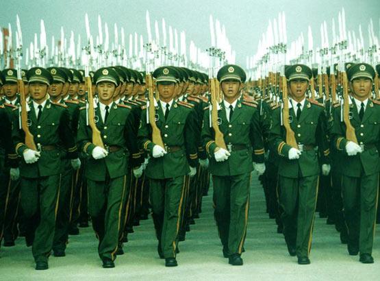 努力建设人民武装警察部队(图)