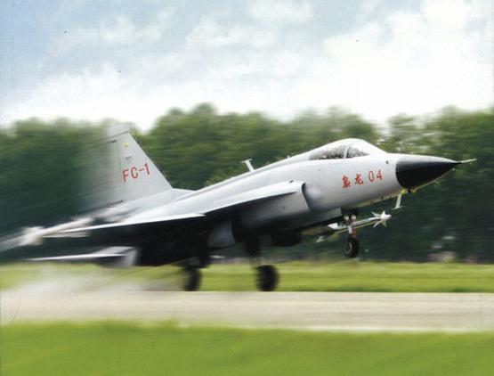 枭龙是一航成飞军机外贸升级换代的主打产品