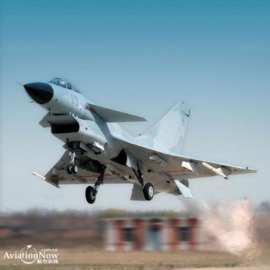 歼10战机试飞过程揭秘海军型研制全面推进(图)