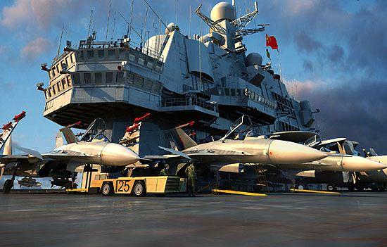 """图文:中国""""瓦XX""""号航空母舰想像图"""