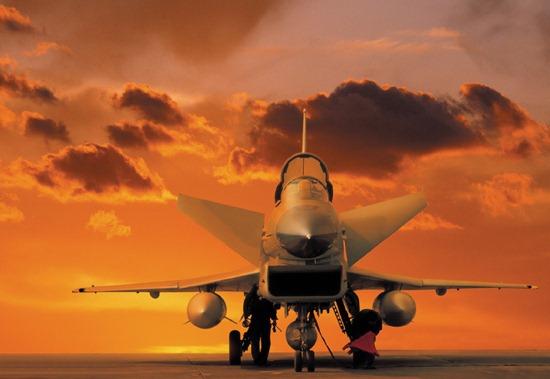 图文:国产歼-10是典型的第三代战斗机