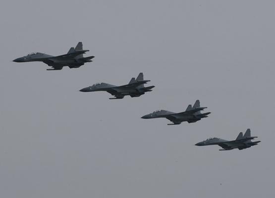 图文:中国空军苏30MKK战机四机空中编队