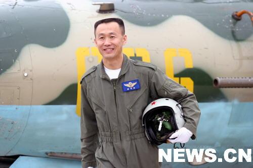 李中华揭秘试飞过的中国三代战斗机(组图)
