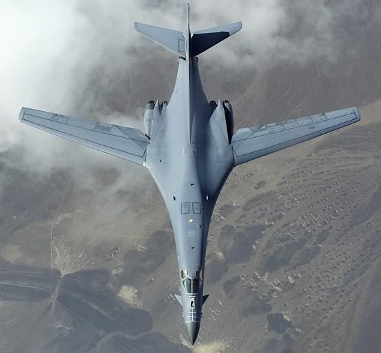 图文:美国空军B-1B轰炸机