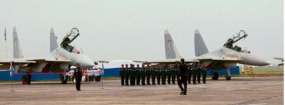 图文:印度空军接收苏-30MKI战机