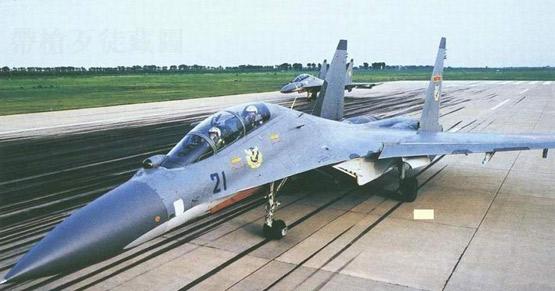 图文:中国空军苏30MKK战斗轰炸机
